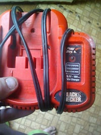 18 v battery charger w battery Springfield, 65803