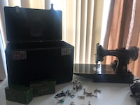 Singer sewing machine asking $400 or best offer Martinsburg, 25405