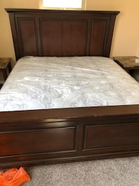 King Pillow top Ashley brand 10 year warranty Chicago