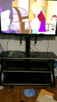 black and gray TV stand 529 km