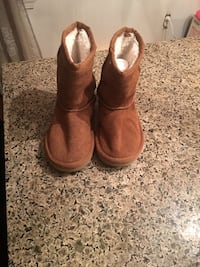 Girls boots size 11 Oklahoma City, 73107