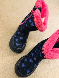 Snow boots size 12