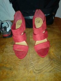 Size 9 red heels new