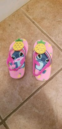 toddler's brand new flip flops, size 7 Calgary, T3A