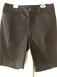 "New-StJohns Women's Size 8P, Black Long Shorts, Inseam 9.5"" Baltimore, 21236"