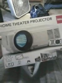 RCA Home Theater Projecter Lothian, 20711