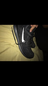 Nike Flyknits 2017 size 10, very comfortable only wore a couple of times  Bakersfield, 93306