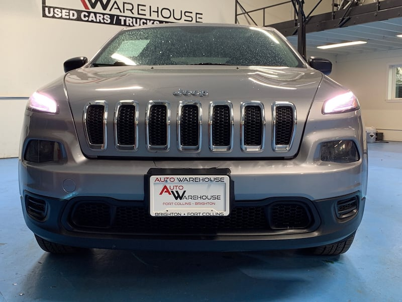 Jeep Cherokee 2014 fff28bc6-1590-4955-be07-85007490ab89