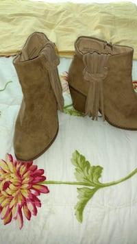 Boots size 6 Roseville, 95678