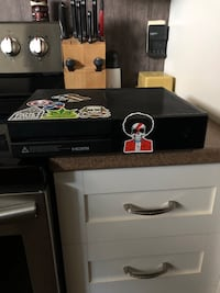 black and gray wooden table Longueuil, J4T 1T8