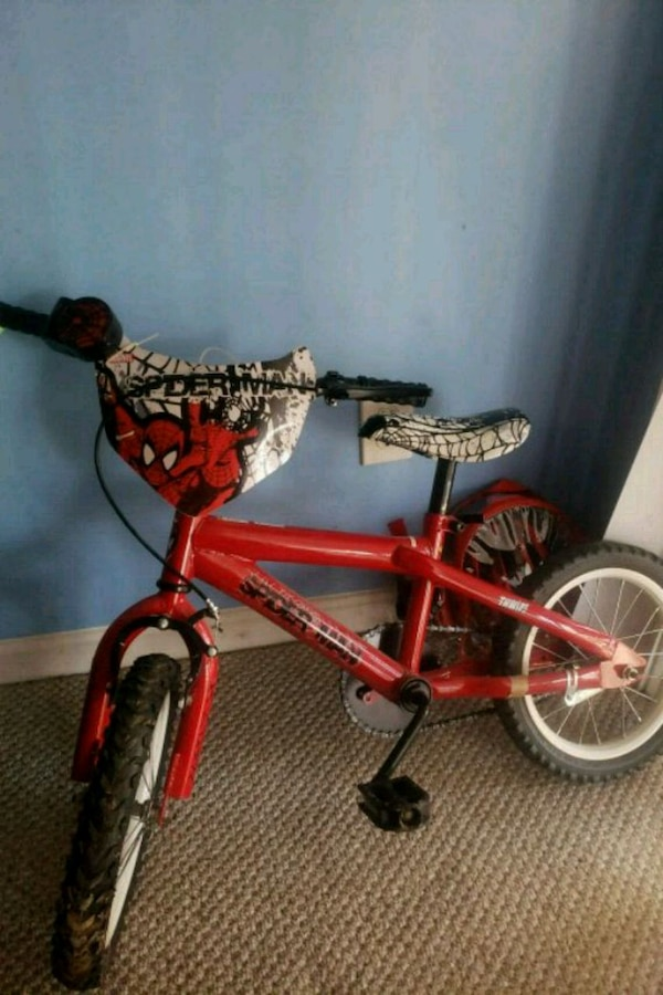 Kids bikes with accessories. 4 to 5 years old