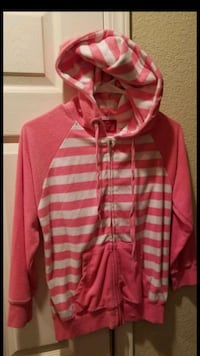 Pink and white sweater size small Tulare, 93274