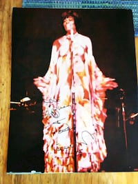 1968 Rare Signed Dionne Warwick Souvenir Program