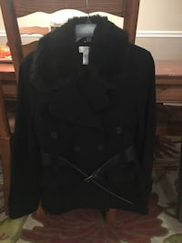 Loft size 6 Black wool jacket with belt/fur collar Middletown, 17057