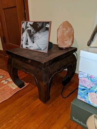 2 solid side tables Charleston, 29412