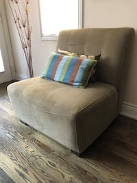 Accent / Sofa Chair - Chesterfield Shop Toronto, M4S 2V3