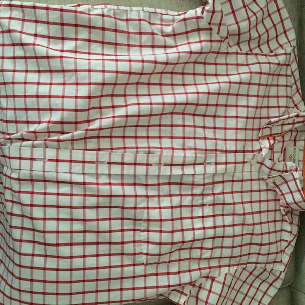 22664cfc72c White and red Dockers plaid button-down shirt - Size M. HomeFashion and  Accessories Sandy Springs
