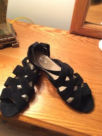 Lord & Taylor Black Strappy Suede Shoes/Sandals - Size 9 1/2M Rockville, 20852