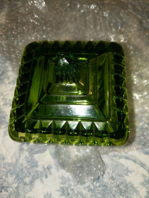VINTAGE CANDY DISH (ON SALE NOW b8cb1dcf-dad7-4433-8c44-a446b4a6d027