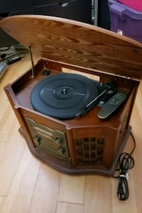 Wooden record player/cd recorder/tape player/am/FM radio