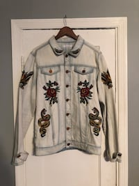 Embroidered Jean jacket size XL Washington, 20002
