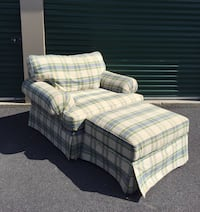 New lower price!  Great overstuffed designer large chair with ottoman Manchester, 03104