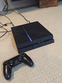 PS4 and controller and HDMI cord  Toronto, M4J 3Y4