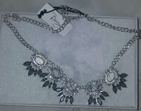 Womens necklace New York, 11385