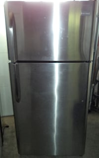 FRIGIDAIRE STAINLESS STEEL FRIDGE FOR SALE!  Toronto