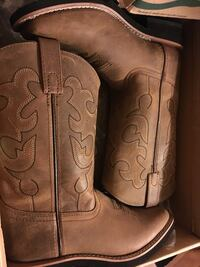 Cowgirl boots size 3.5 used once  Salinas, 93905