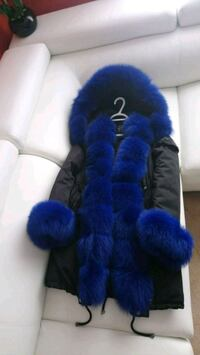 Parka brand new with real fur Toronto, M9M 0A3