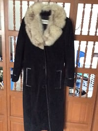women's black and white fur coat 535 km