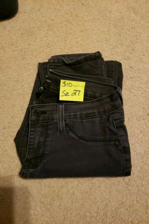 Flying Monkey Skinny jeans sz 27