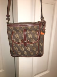 Dooney and Bourke purse Evansville, 47725