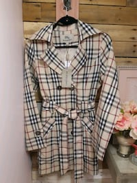 Burberry London Trench  Hamilton, L8H 3A2