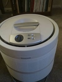 white and gray portable air filter