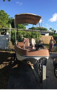 1978 15 foot 70 Evinrude engine. *** Has title ***** AS IS *****