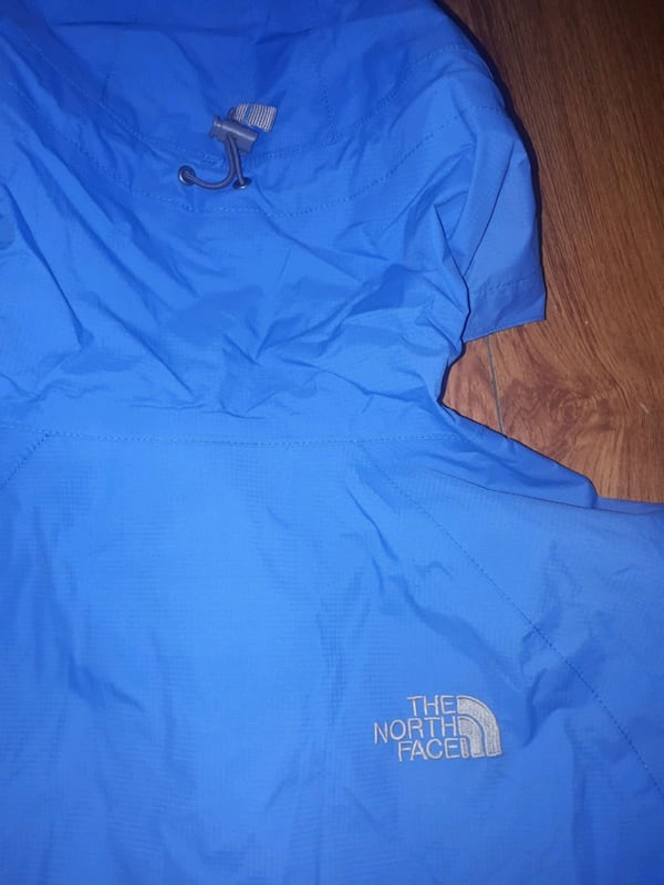 North Face Womens Windbreaker size M 3