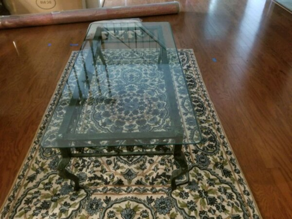 Glass/metal coffee table and 2 end tables 5071dc15-e30c-4ed7-ba58-c46d5d286a0d