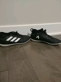 Adidas soccer shoes size 4 1/2 Laval, H7W 1E4