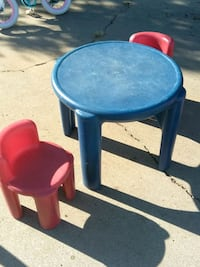 Chairs and table Stockton, 95215