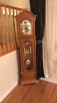Brown wooden grandfather's clock Vaughan, L6A 0M5