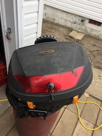 Motorcycle trunk