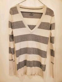 Aeropostale women's small v-neck stripe LS Brentwood, 37027