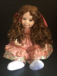 VINTAGE PORCELAIN GIRL DOLL - NUMBERED AND SIGNED LEXINGTON