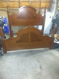Oak queen size poster bed  Ontario, L3Z 2H7