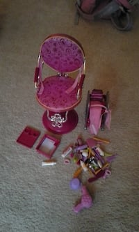 """Salon chair and Accessories for 18"""" Doll"""