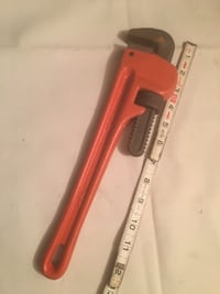 """14"""" pipe wrench New unused"""