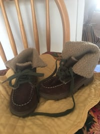 Warm cozy boots for child size 9.  Good condition