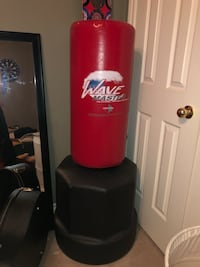 ORIGINAL WAVE MASTER PORTABLE STAND UP TRAINING / PUNCHING BAG   Oakville, L6H 6K5
